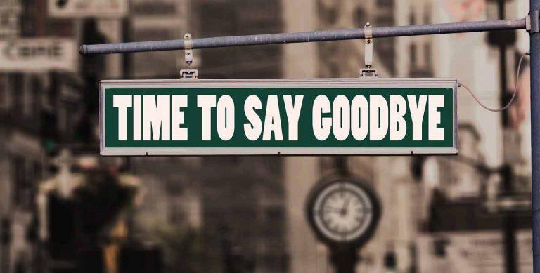 Schild Time to say Goodbye Krankenversicherung kündigen Beamte