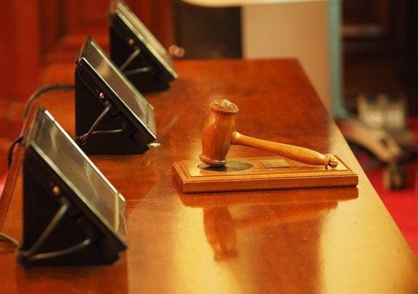 Hammer Gericht Urteil Beitragserhöhung in der PKV